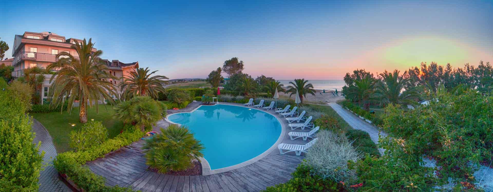 Hotel abruzzo ambasciatori albergo 4 stelle per vacanze for Hotel barcellona sul mare